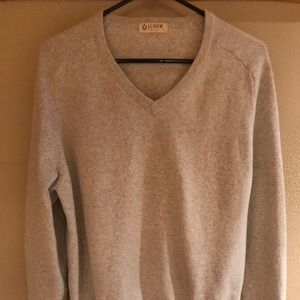 GORGEOUS MENS V NECK SWEATER BY J. CREW.